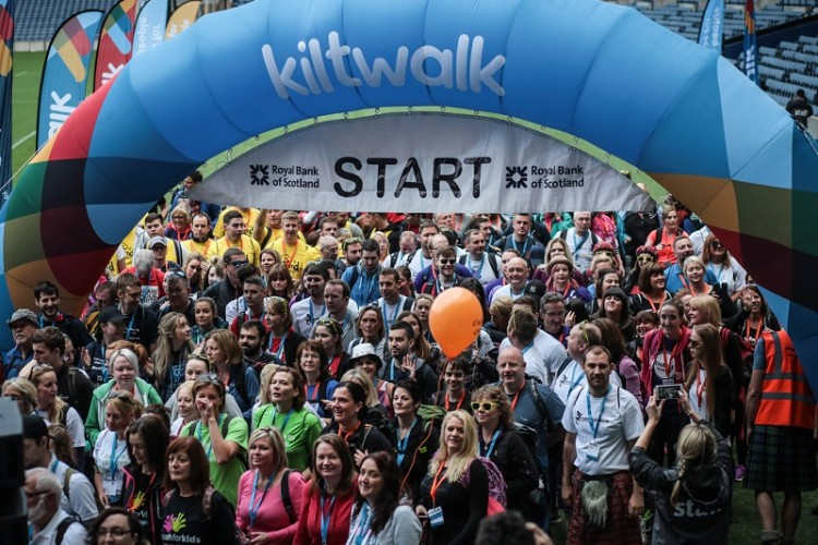 walkers at the start of the kiltwalk